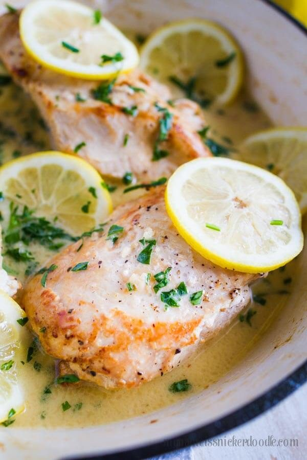 This One Pan Creamy Lemon Garlic Chicken as absolute perfection! It makes for a wonderful weeknight meal and is easy clean up!