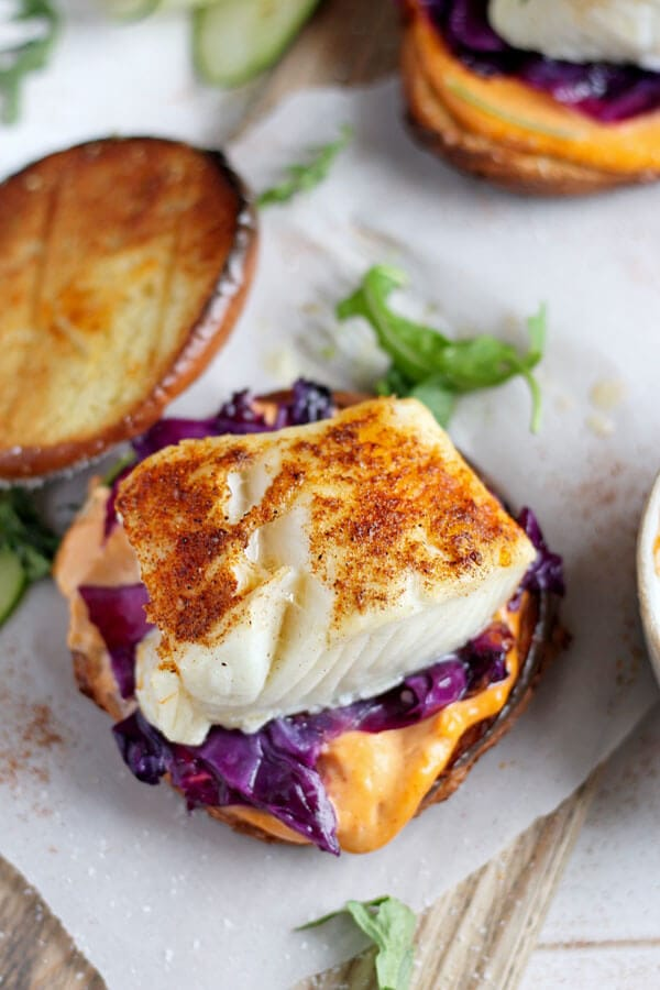 blackened fish burger + sriracha mayo - Oh Sweet Basil