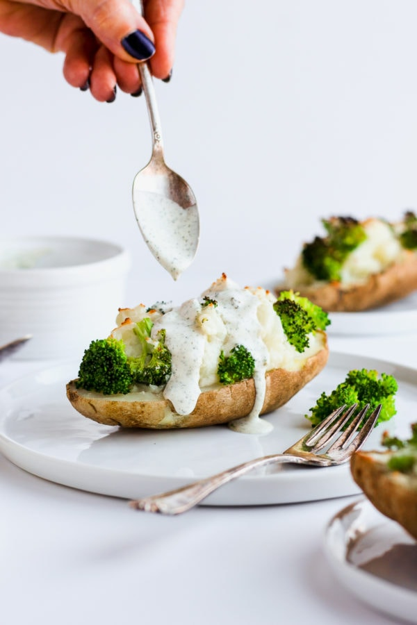 Healthy Twice Baked Potato with Broccoli - a healthy and delicious side dish the whole family will love! Whole30, paleo and dairy-free!