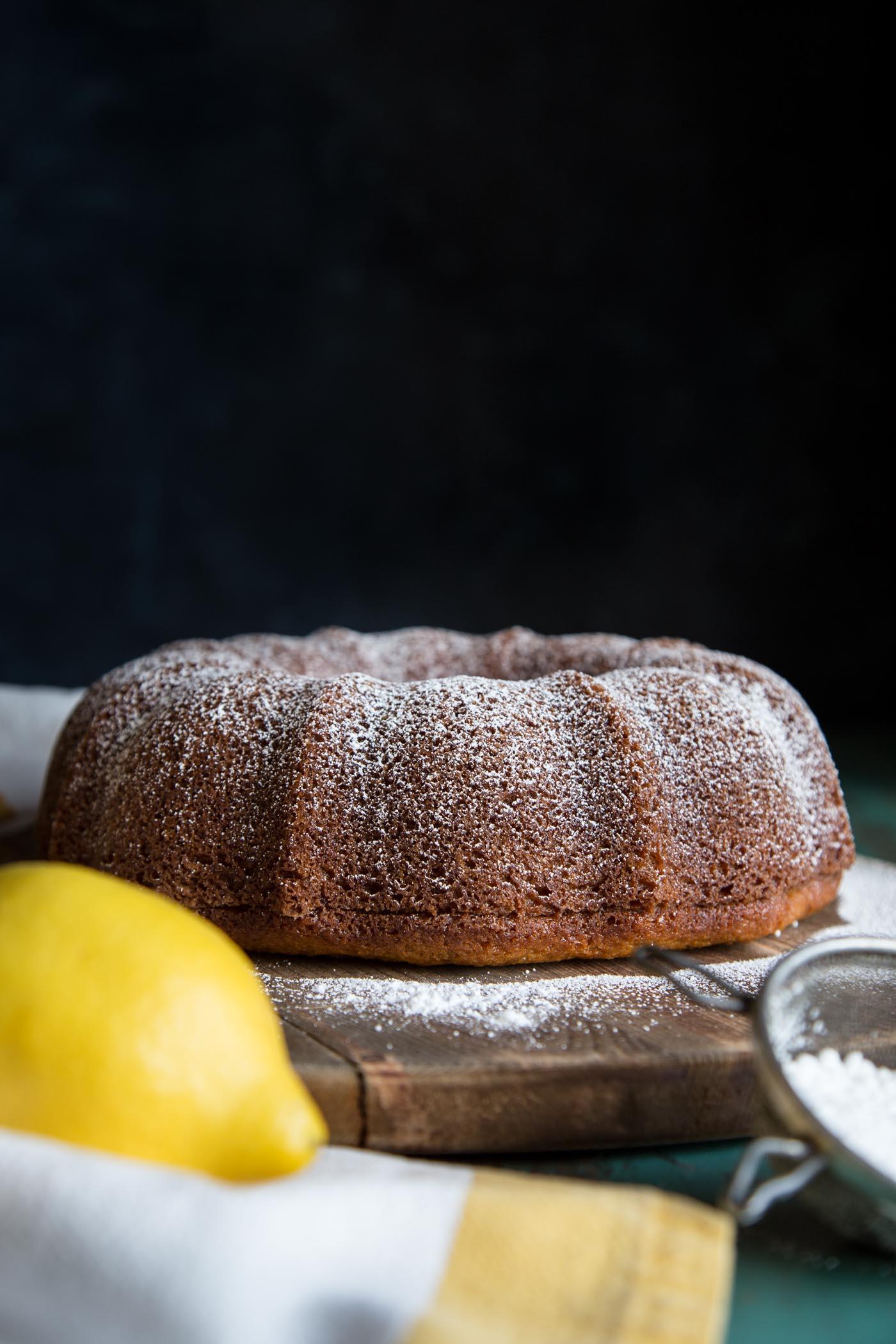 Lemon bundt cake without glaze