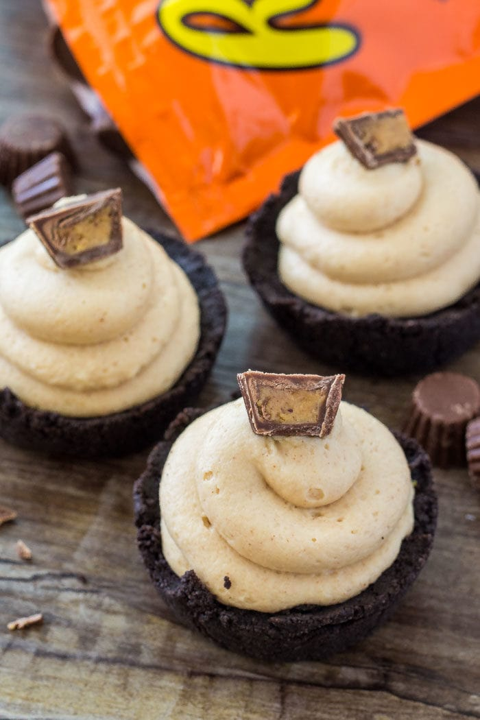 These no bake mini peanut butter cheesecakes are a completely adorable, creamy, salty-sweet peanut butter treat.