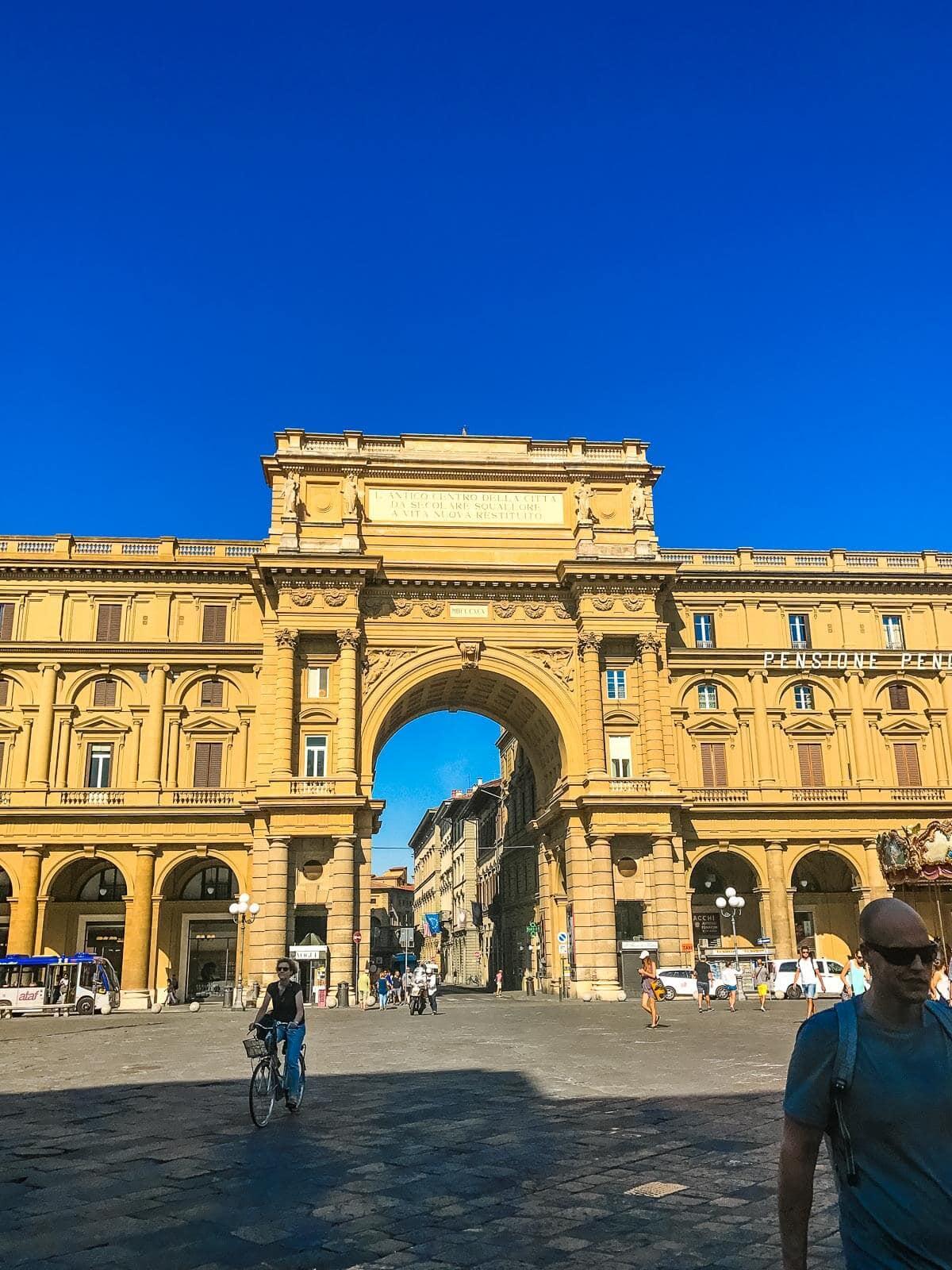Piazza della Repubblica Florence, Italy ohsweetbasil.com