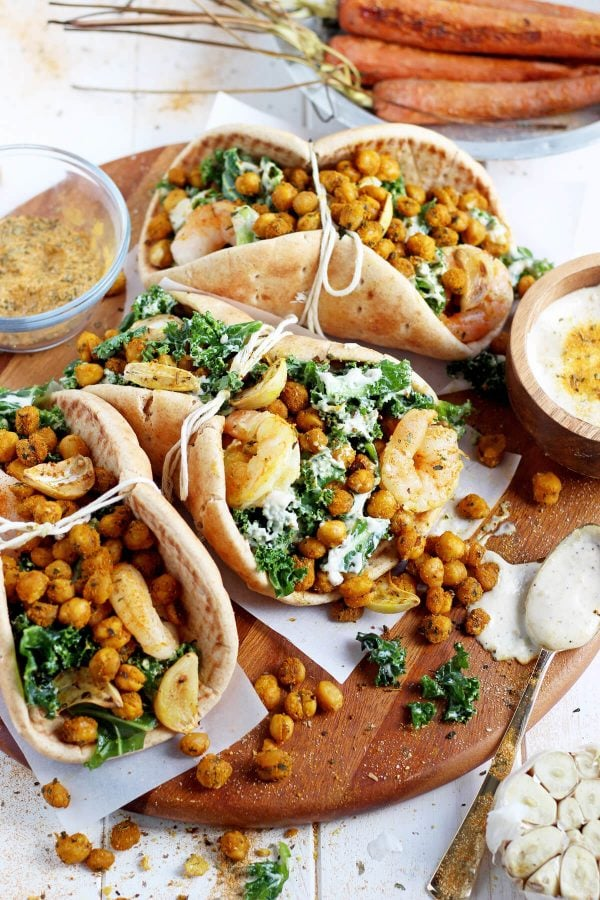 These roasted chickpea and garlic caesar salad pitas are a quick and healthy dinner that will be on your table in 30 minutes!