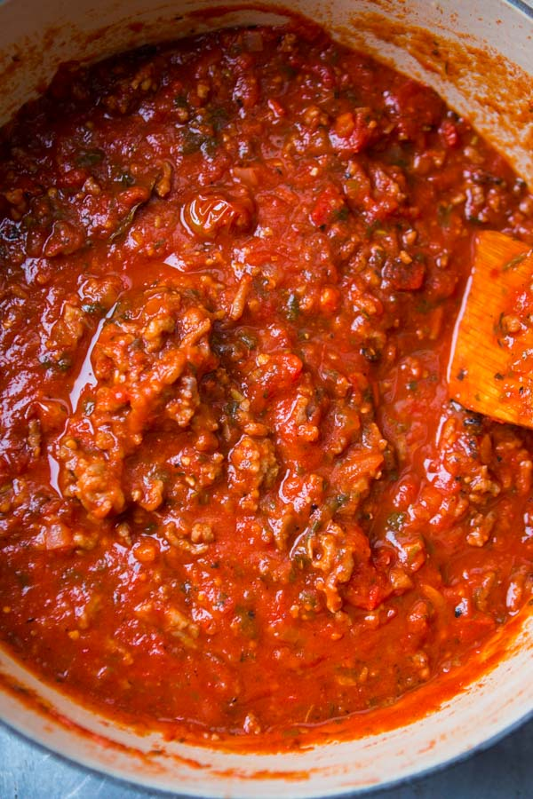 italian spaghetti sauce in dutch oven