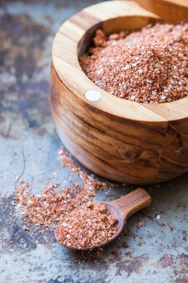 Perfect for beef, chicken and especially pork, this smoky bbq rub is what makes grilling so amazingly delicious. Just dig in!