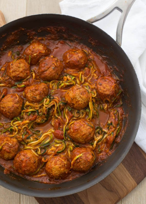 Want a quick and easy healthy dinner recipe? This cheesy meatball zucchini skillet is a one pot wonder and the whole family, yes even your picky eaters will be happy. zoodles, low carb
