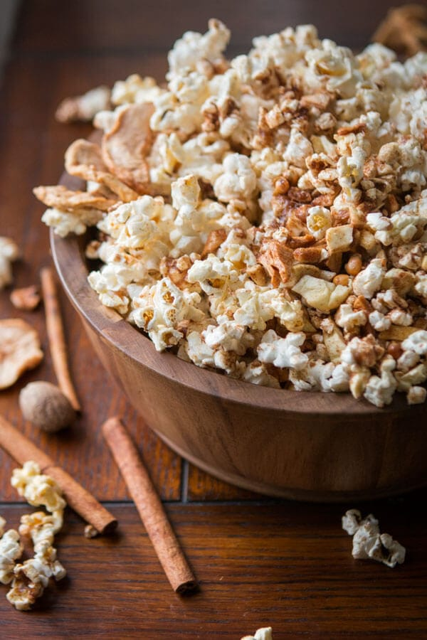 Easy Apple Pie Popcorn