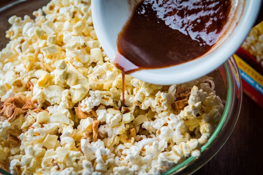 We've heard you loud and clear, you want a yummy treat or snack that isn't pumpkin. This easy apple pie popcorn is exactly what you're looking for. ohsweetbasil.com