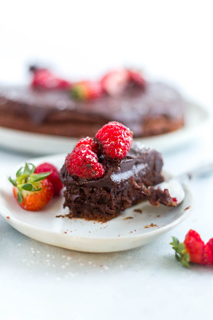 flourless chocolate cake with ganache