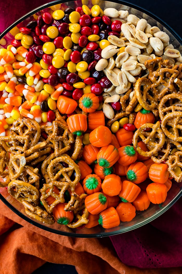 5 Minute Halloween Snack Mix - Oh Sweet Basil