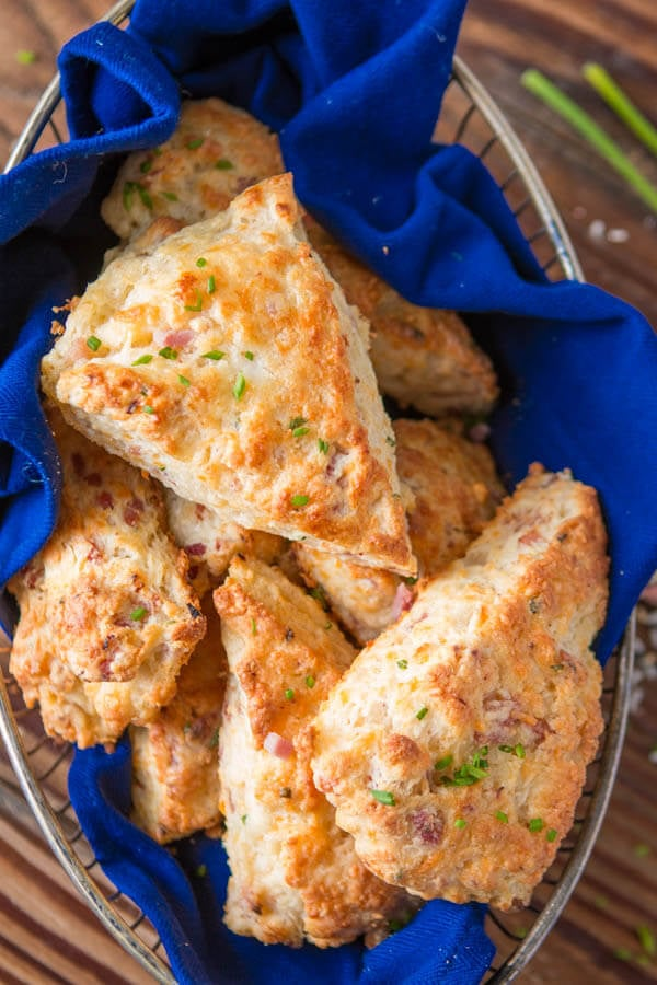 A few weeks ago I was making our apple pie scones and suddenly had the brilliant idea of making a savory version, easy ham and cheese scones! ohsweetbasil.com