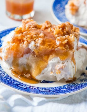 Cinnamon ice cream, saucy apple pie filling and caramel crunchies make this ice cream cake awesome!