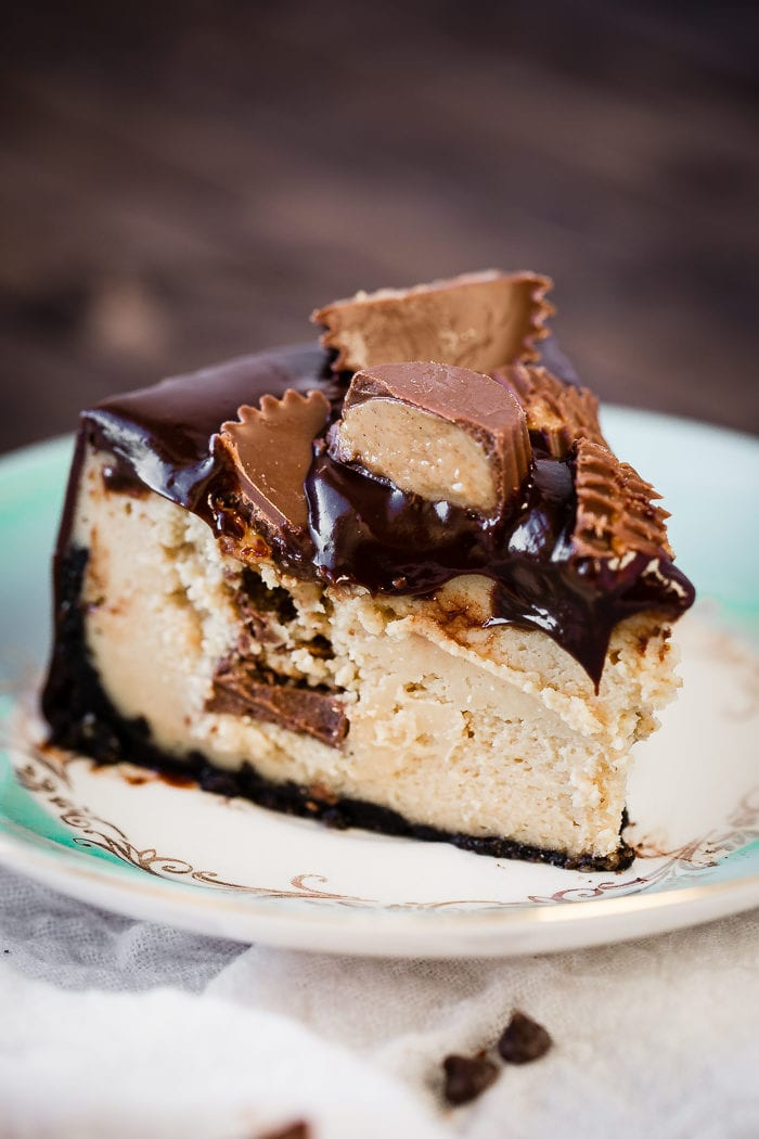 It's happening. Dessert recipes for the instant pot are amazing! This instant pot peanut butter cup cheesecake has an oreo crust as well so dig in!