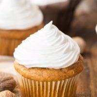 Pumpkin cupcakes with 7 minute maple frosting ohsweetbasil.com