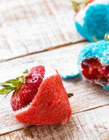 Looking for a healthier 4th of July dessert recipe? These red white and blue strawberries are not only healthier than a big pie, but they only take 3 ingredients!