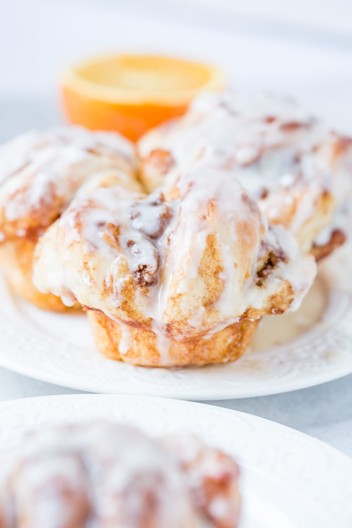 Use rhodes bake and serve rolls to make easy orange cinnamon butterflake rolls ohsweetbasil.com
