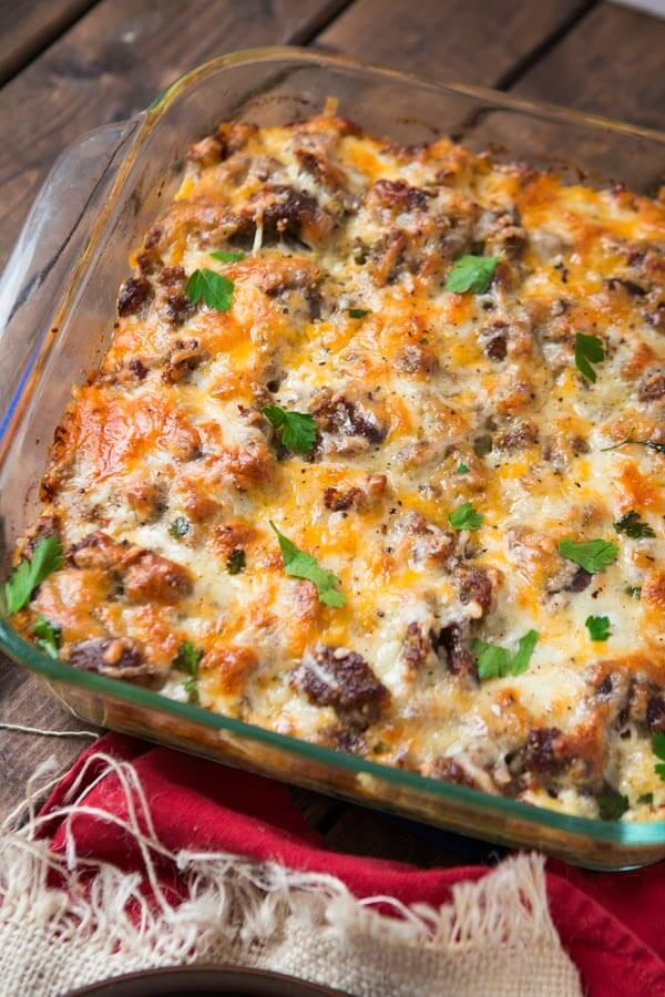 Looking for a really delicious breakfast idea? This cheesy sausage hash brown breakfast casserole is full of flavor but totally easy to make.