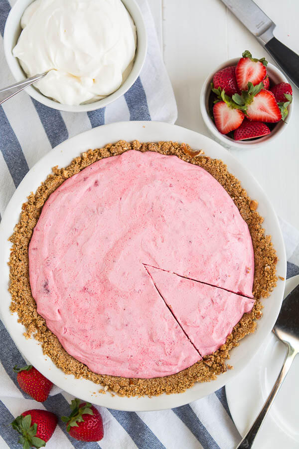 Let's cool down this summer with a slice of this sweet, simple, and refreshing Strawberry Icebox Pie and relax all day long!
