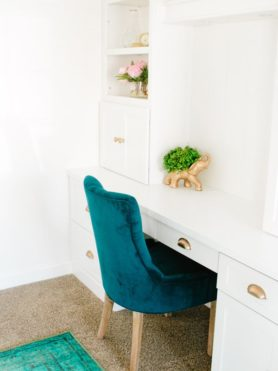 You're ready to start a little facelift project on your house but what seemed like fun now seems crazy. Here's how to pick cabinets to get you started.